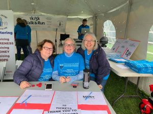 2019 Walk & Run: The registration ladies please to sign in the athletes
